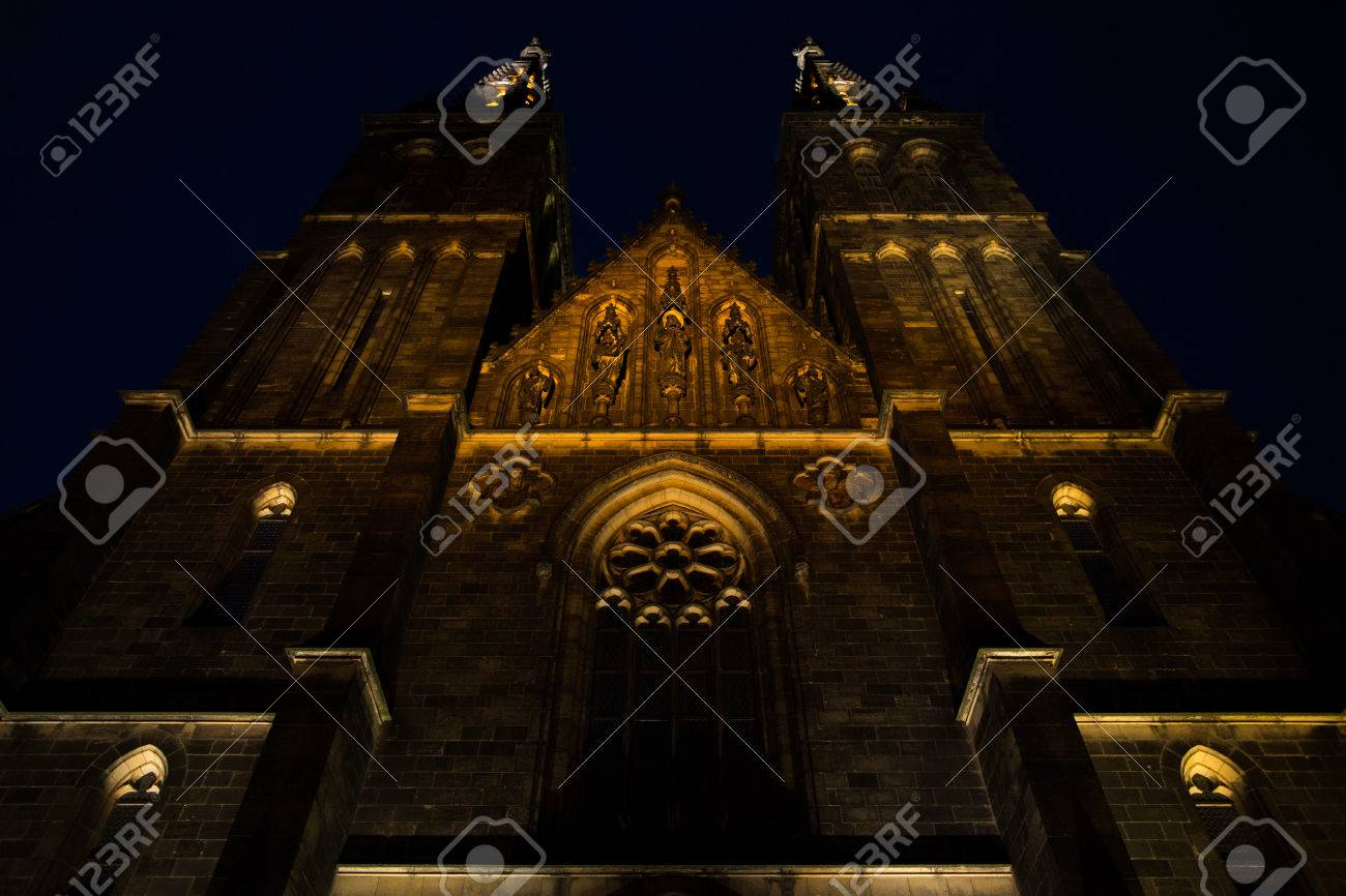 Basilica of St Peter and St Paul in Prague, close night view - 59019752