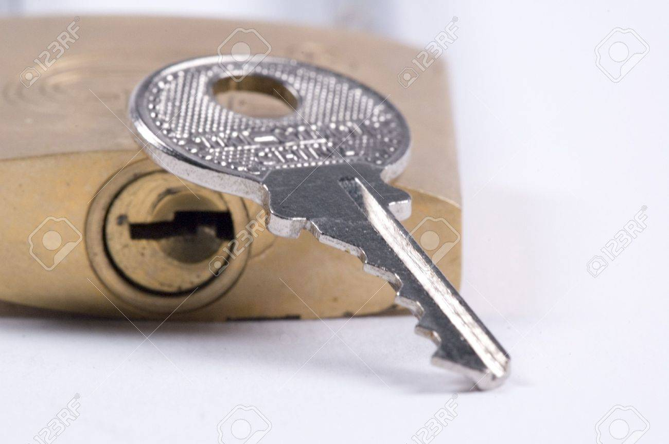 padlock and key Stock Photo - 626525