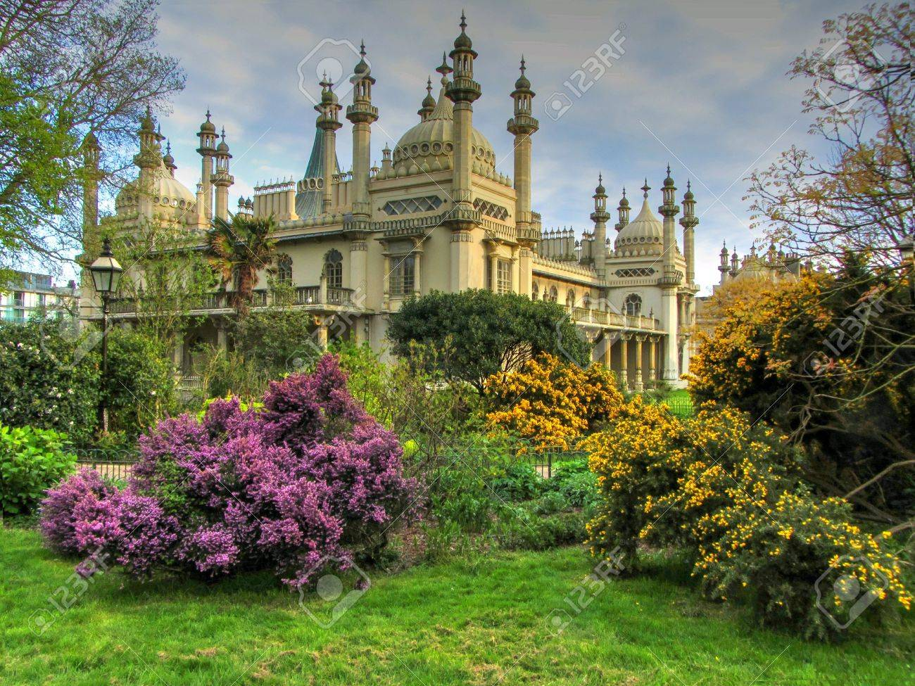 The Royal Pavilion And Gardens, Brighton, East Sussex, England,UK ...