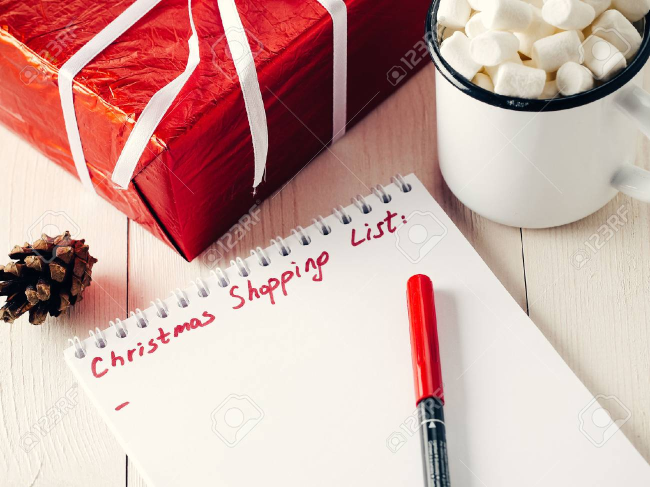 Christmas gifts shopping planning list - 87615992
