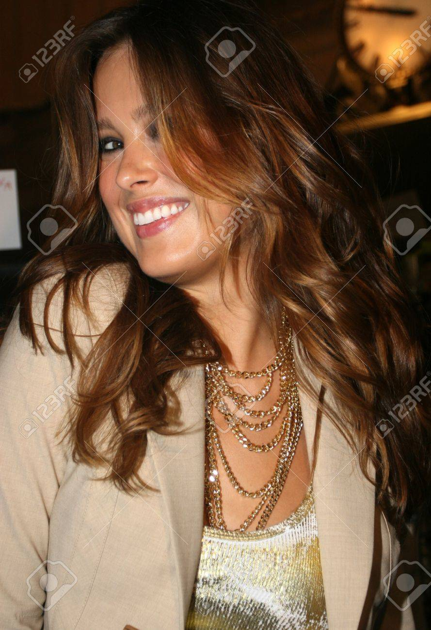 NEW YORK - SEPTEMBER 09: Model Petra Nemcova poses backstage in Cipriani restaurant at the Rock and Republic S/S 2007 collection presentation during New York Fashion Week on September 09, 2006, New York. Stock Photo - 18951635
