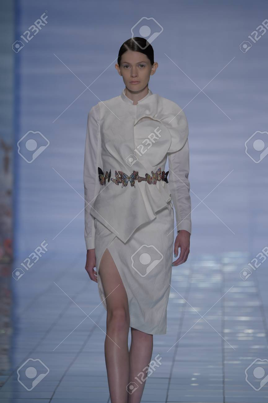 Buy Lie spring sangbong runway picture trends