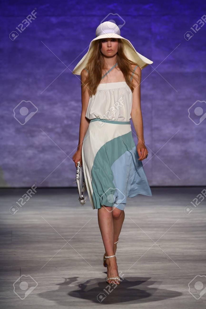 Fashion week Mareta irna up close and stylish for girls