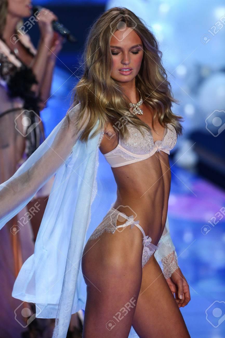 65b44f5dfa3 LONDON, ENGLAND - DECEMBER 02: Victoria's Secret model Romee Strijd walks  the runway during