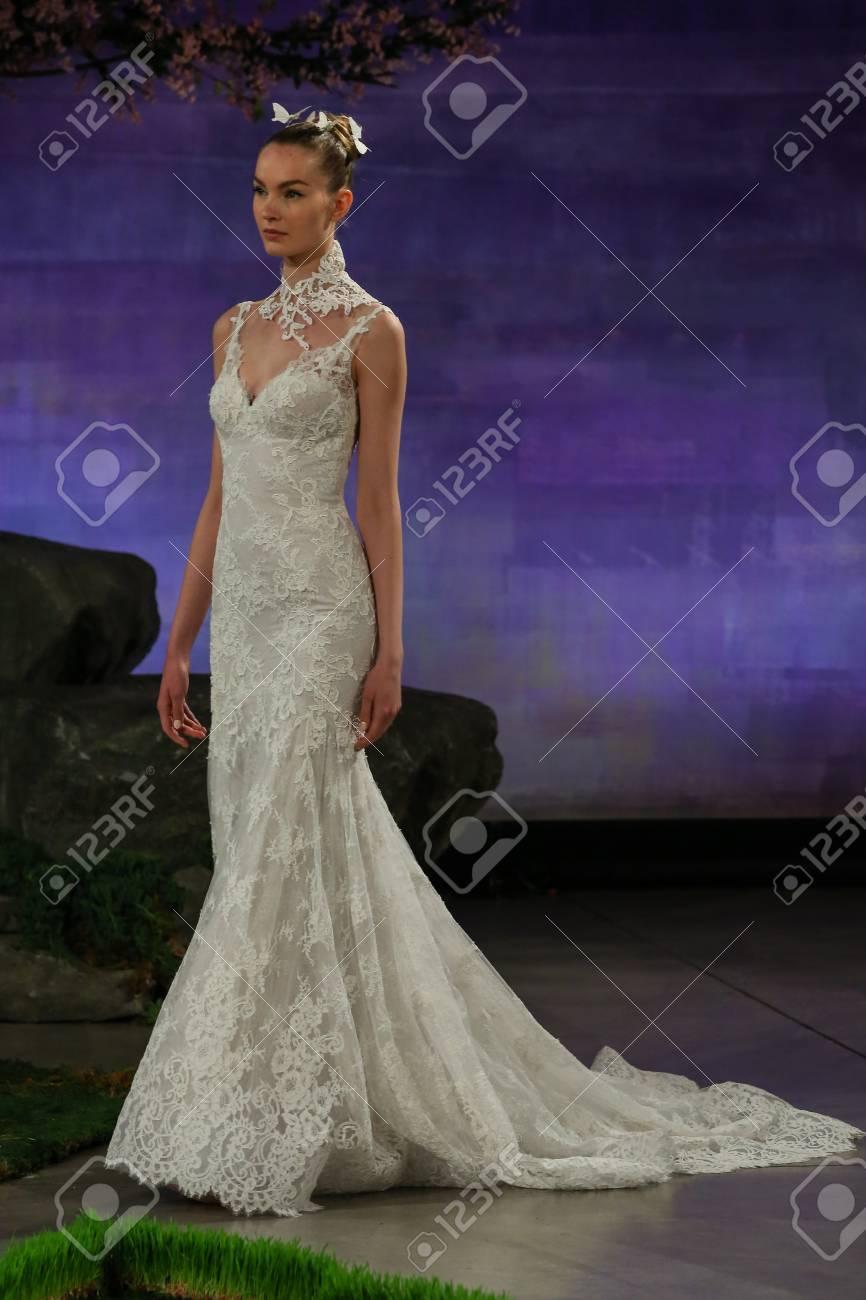 Bonito Vestido De Novia De Vera Wang Jessica Simpson Ornamento ...