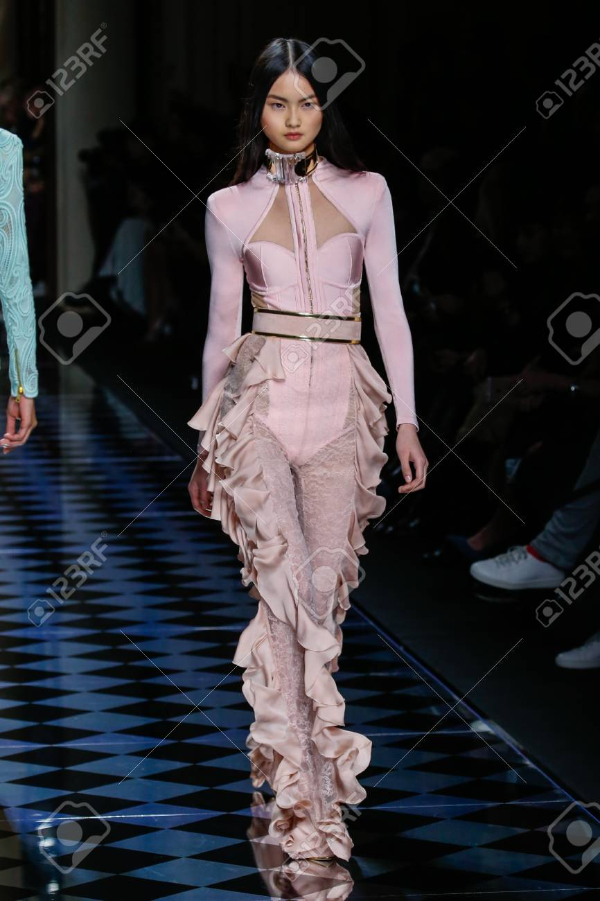 dc20542d PARIS, FRANCE - MARCH 03: Cong He walks the runway during the Balmain show