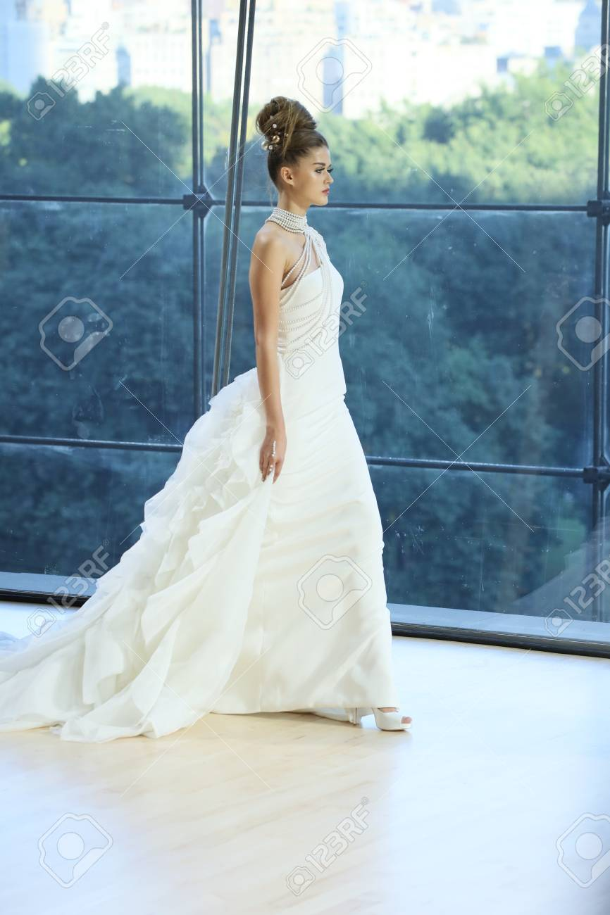 Contemporary Diana Wedding Dress Picture Collection - All Wedding ...