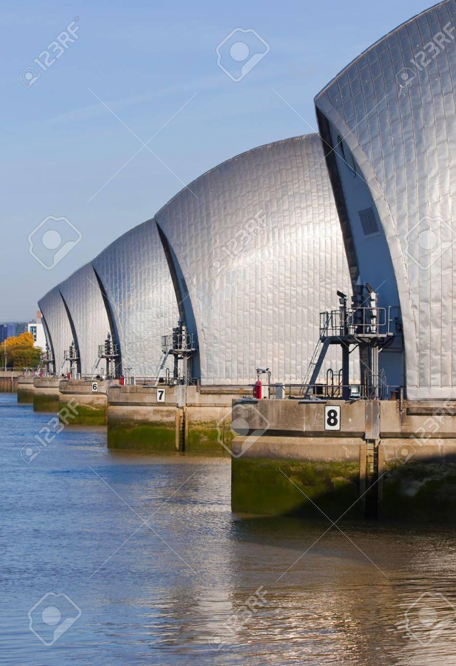 La Barrière Anti Inondation Thames Banque Du0027images   11936484