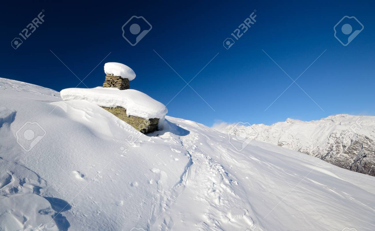 Back country skiing in scenic high mountain landscape Stock Photo - 16757885