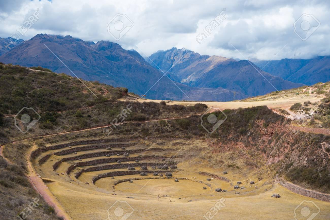El Sitio Arqueológico En Moray Destino De Viaje En La Región De Cusco Y El Valle Sagrado Perú Majestuosas Terrazas Concéntricas El Supuesto