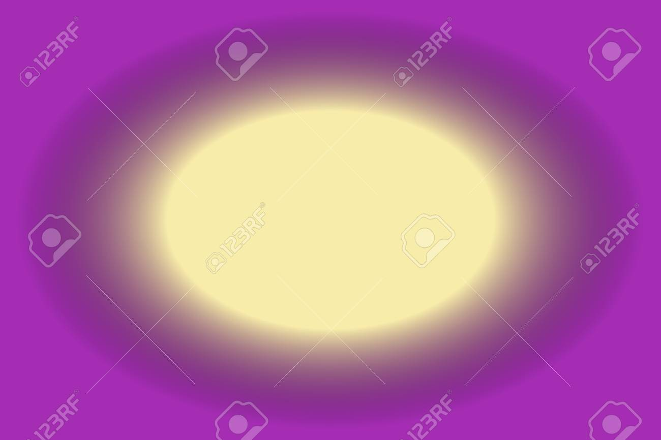 Agujero De Color Vainilla Con Un Marco Púrpura Fotos, Retratos ...