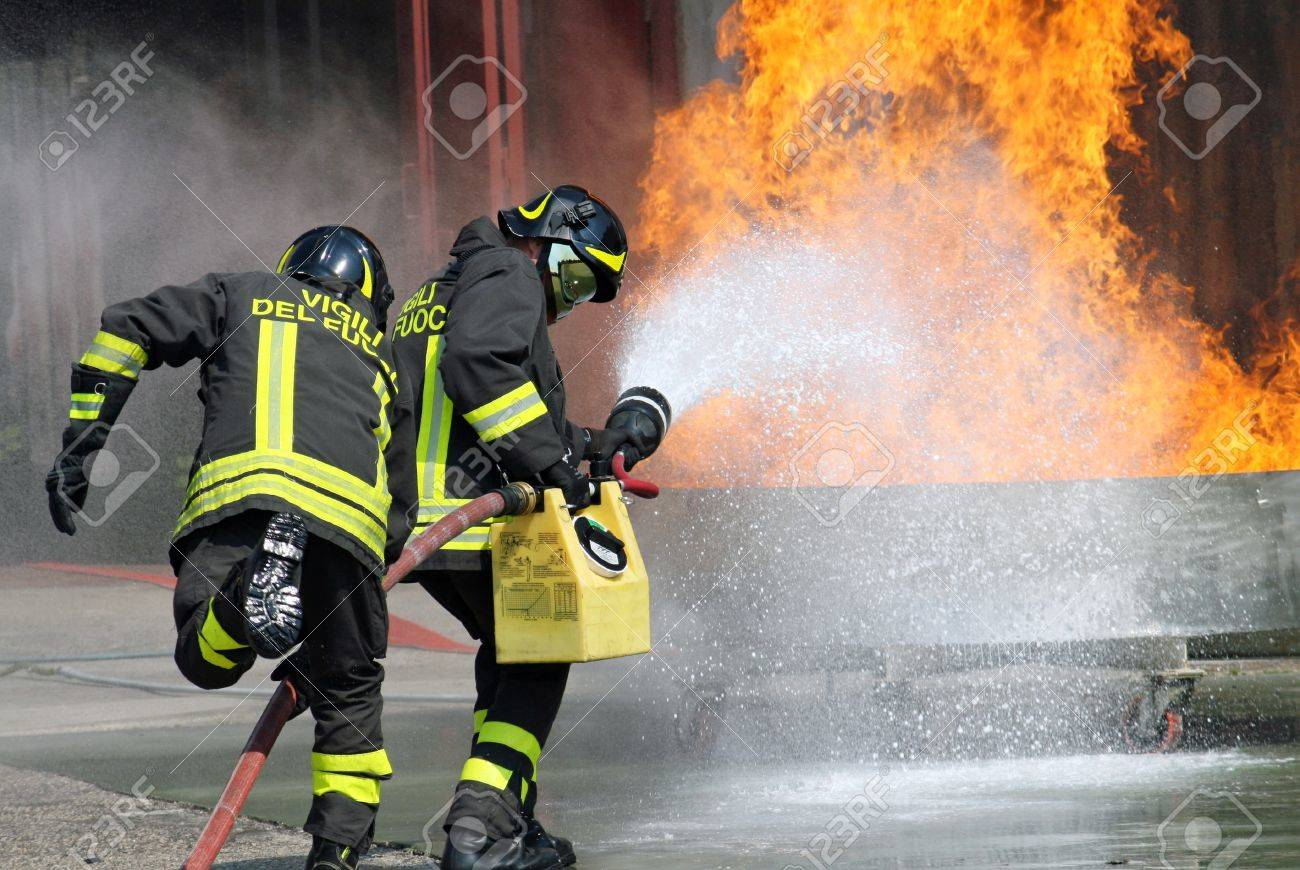 Italian firefighters in action during an exercise in the Firehouse Stock Photo - 13141010