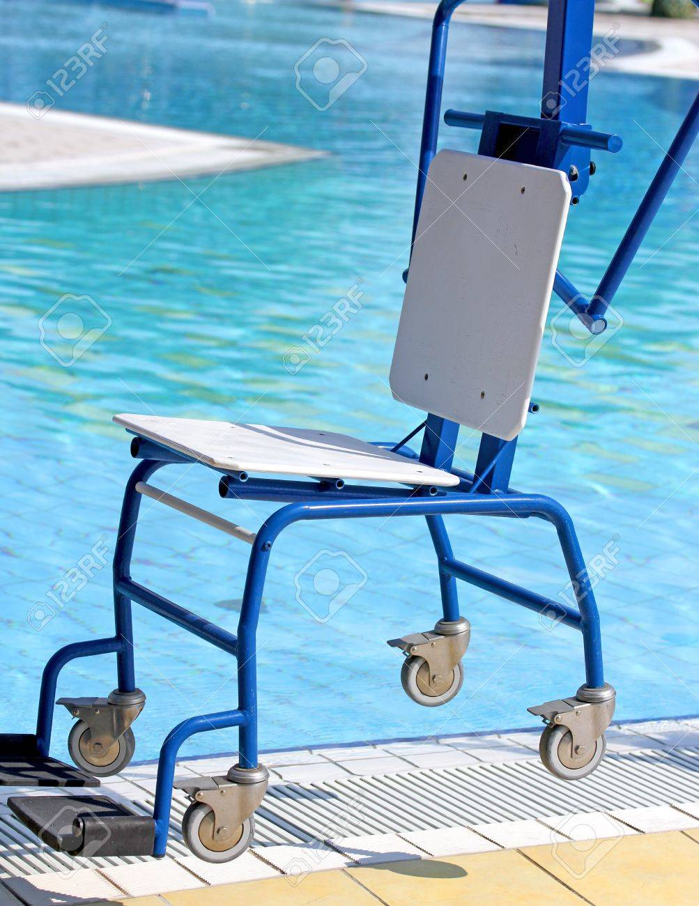 Ingenious Blue Chair For Disabled People To Make Use Of The Pool ...
