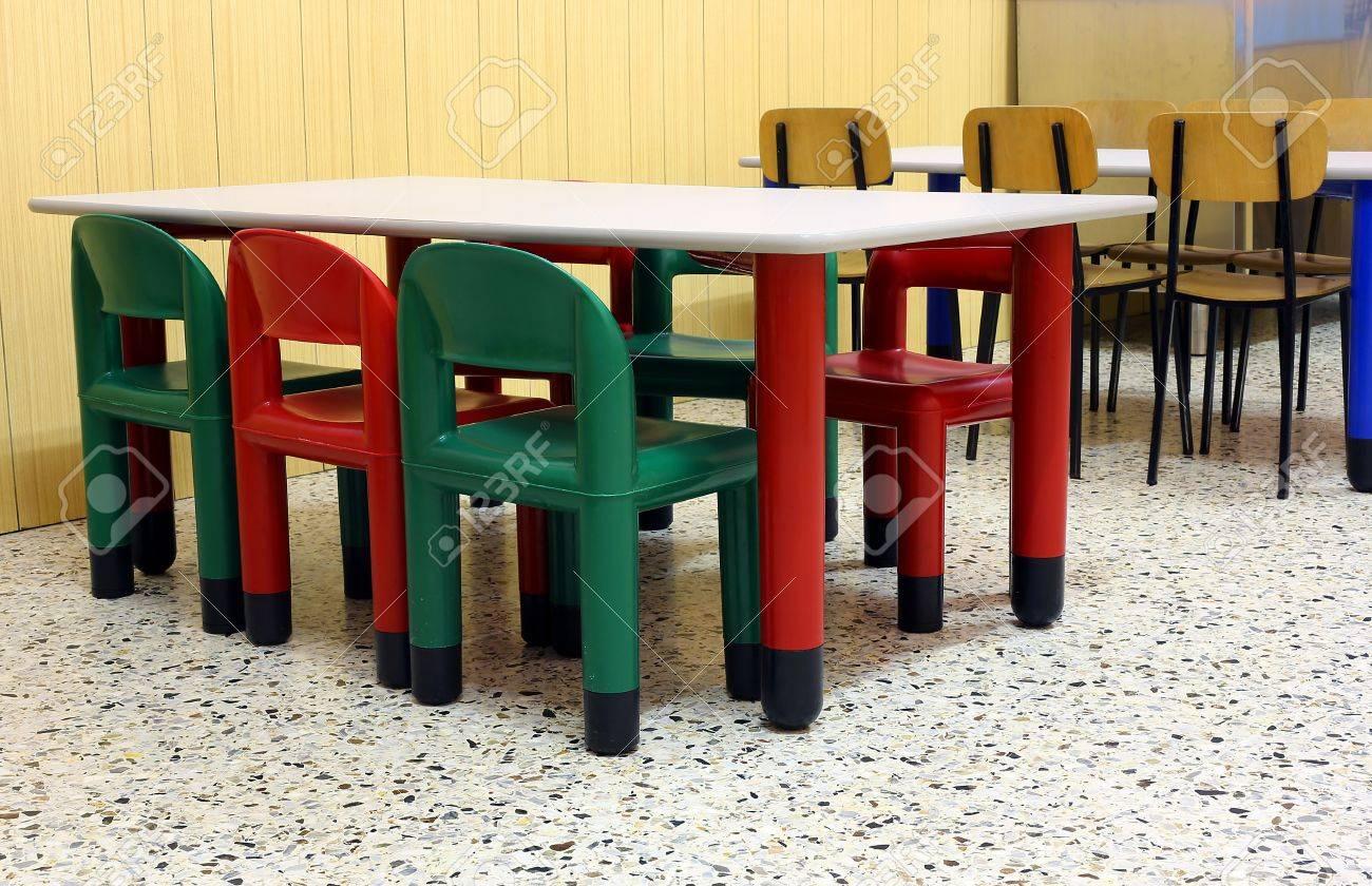 Mesas Cantina El Colores Y De La Pequeñas Guardería En Sillas Comedor kiXuPZ