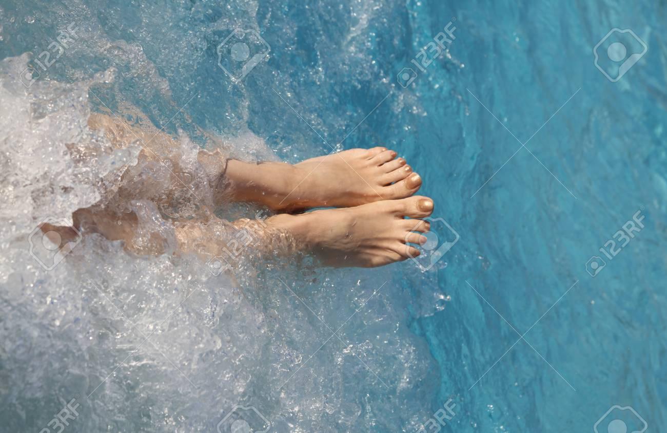 whirlpool nackt frau