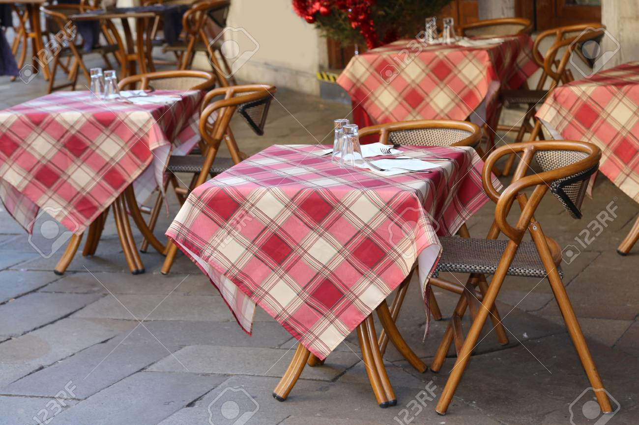 Excellent Alfresco Table With Chairs And Tables In The European Country Interior Design Ideas Gentotryabchikinfo