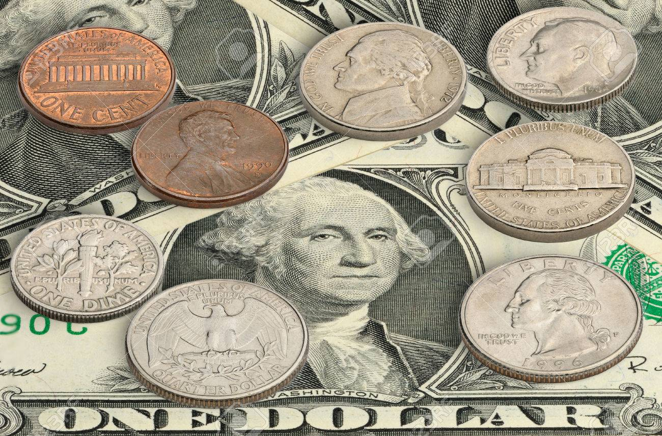 Usa Münzen Auf Einem Dollar Scheine Lizenzfreie Fotos Bilder Und