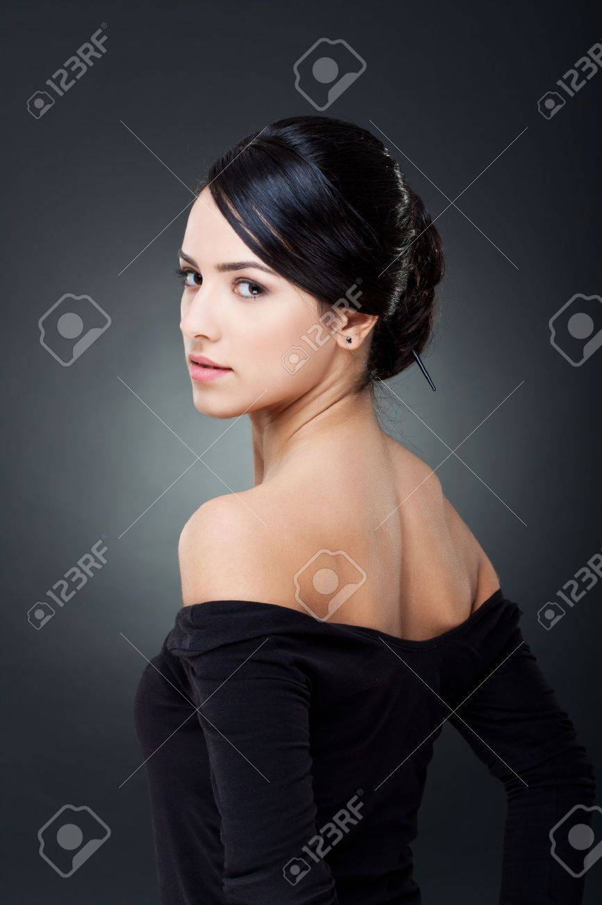 Fashionable photo of elegant girl with nice hairstyle Stock Photo - 9077120
