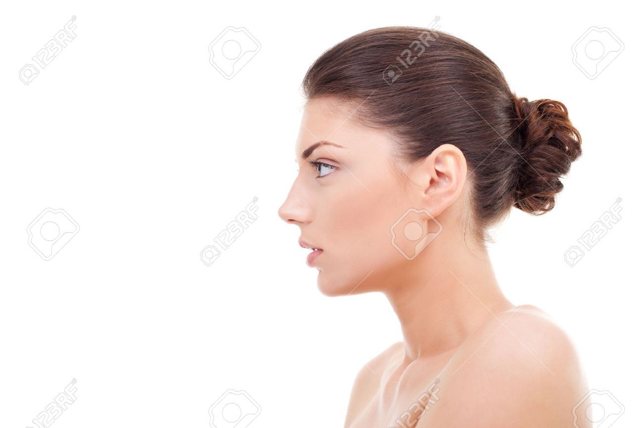 Девушка с наклоном головы фото