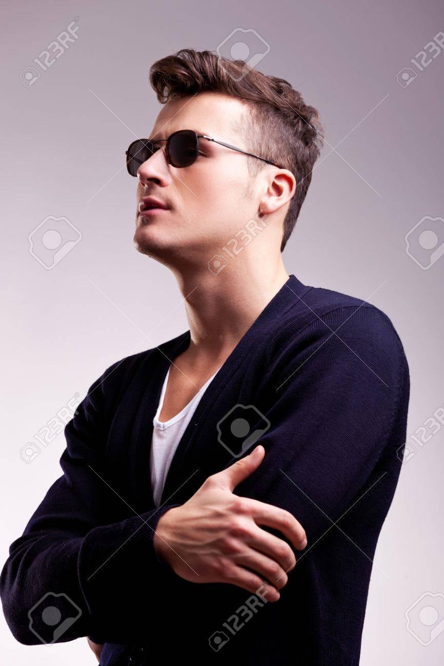 Фото парня в солнечных очках крупным планом 5 фотография