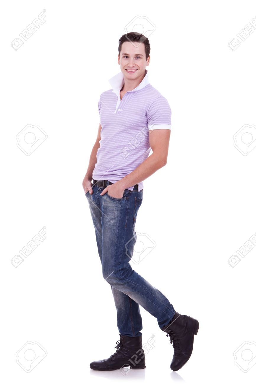 若いカジュアルな男が、全身画像...