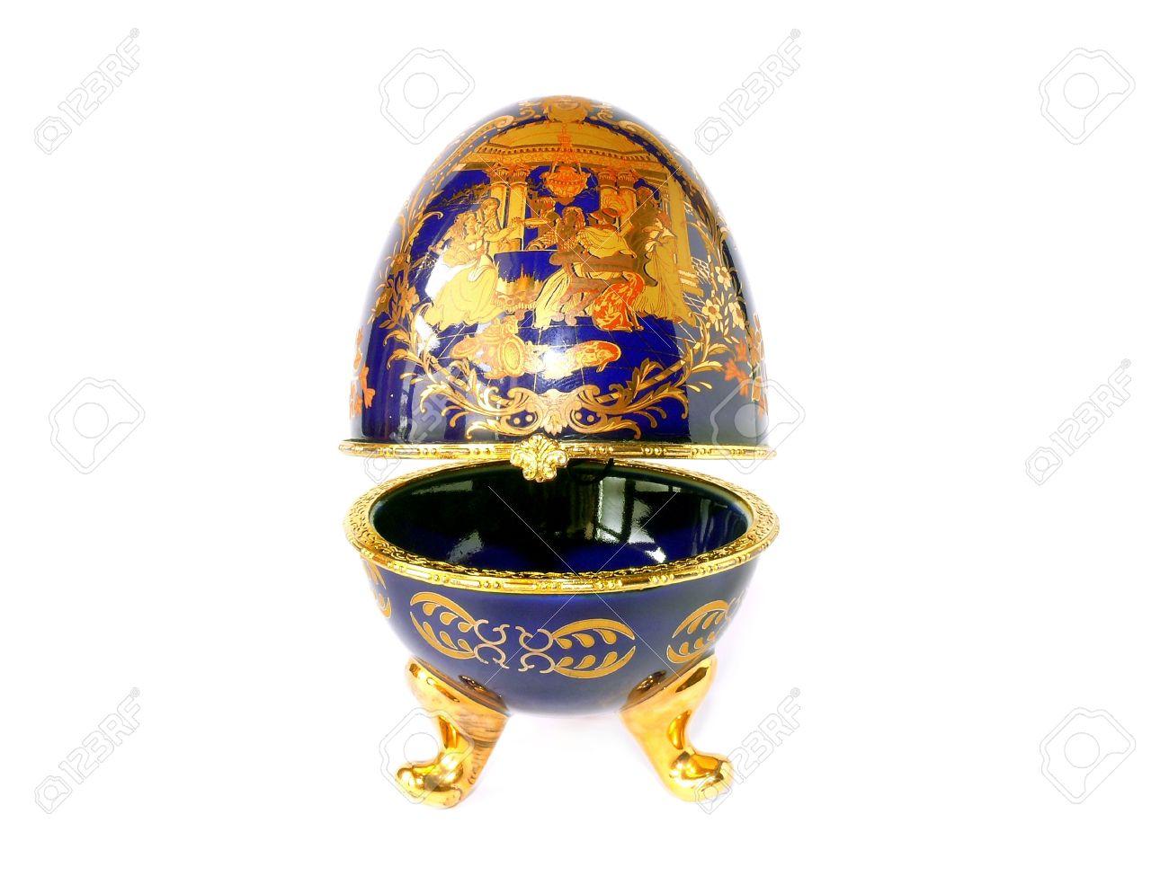 Uova Di Pasqua Ceramica.Uovo Di Pasqua Ceramica Blu Come Le Uova Faberge Con Finitura Dorata Isolato Su Bianco