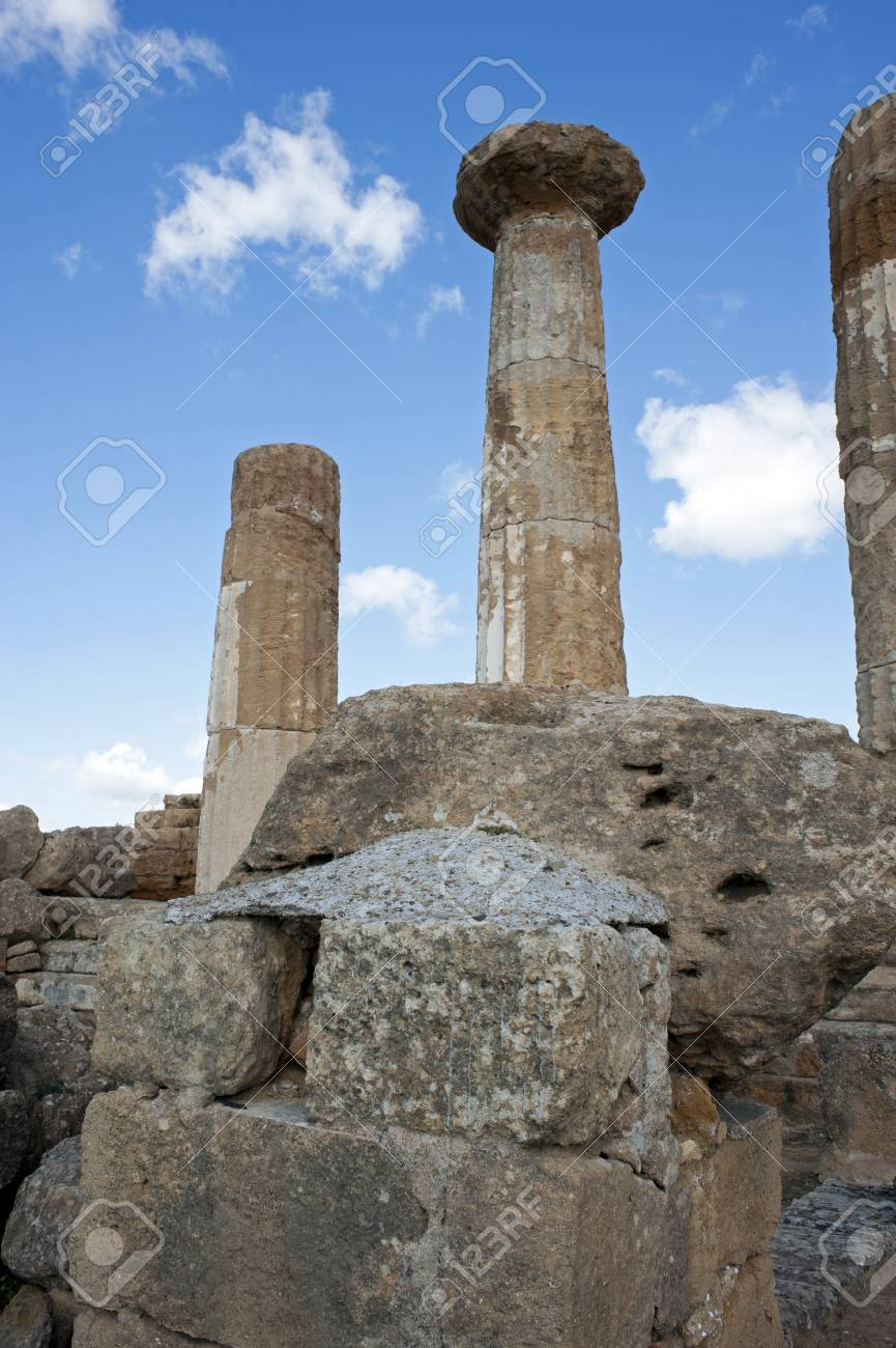 Detail of Temple of Heracles, Valle dei Templi, Agrigento, Sicily Stock Photo - 9407190