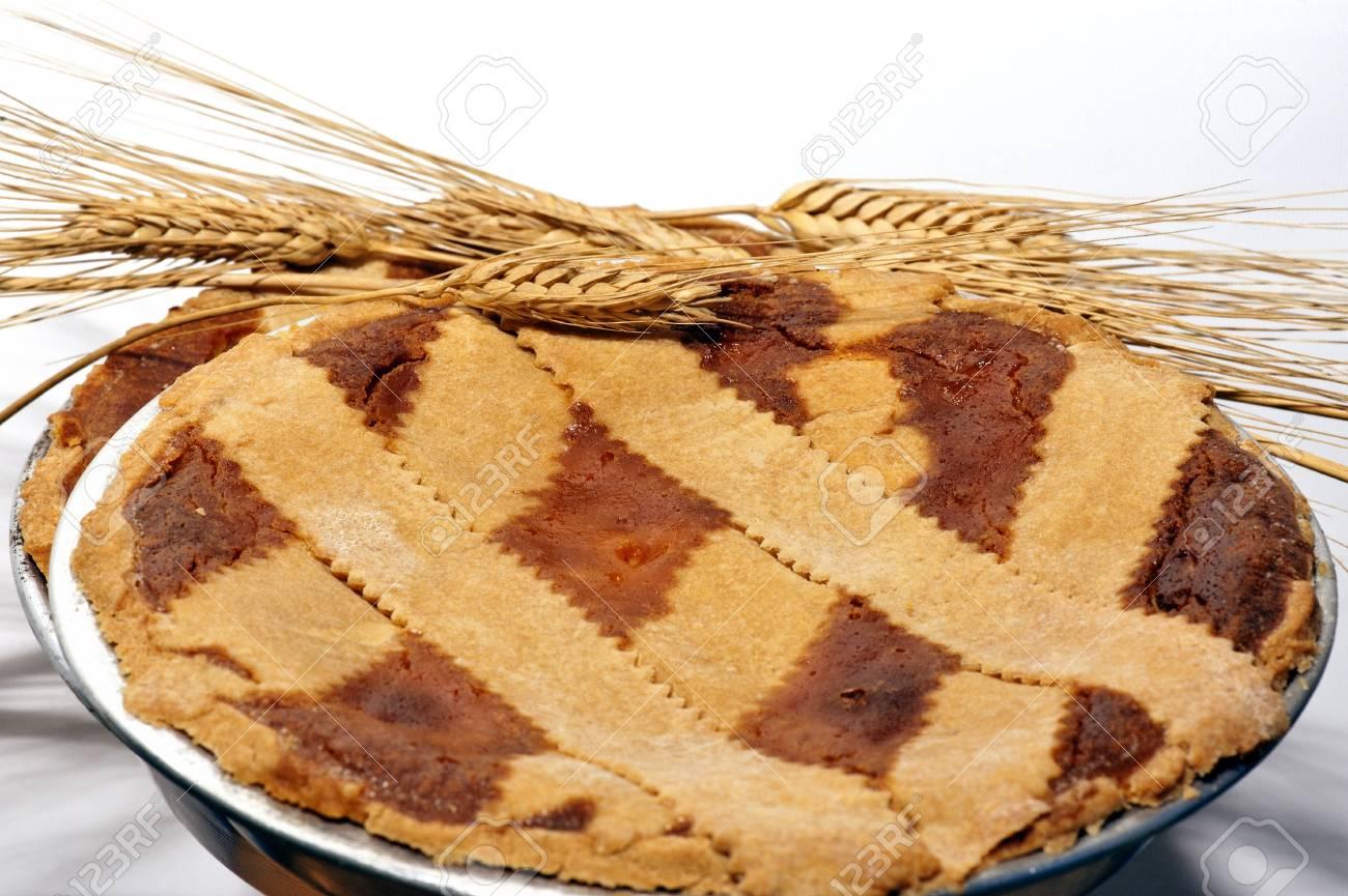 Typical Neapolitan paschal dessert called �Pastiera� Stock Photo - 13159805