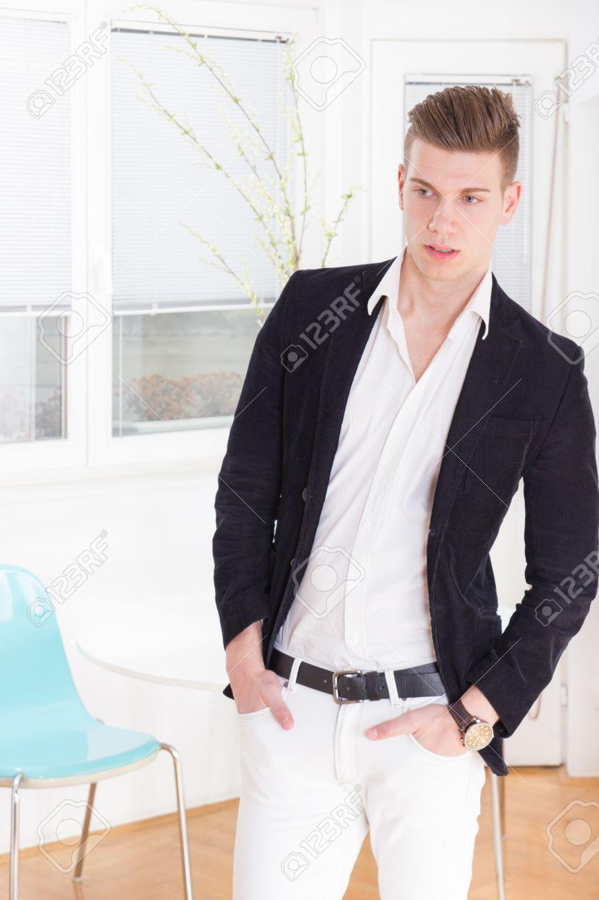 Trajes elegantes de hombre