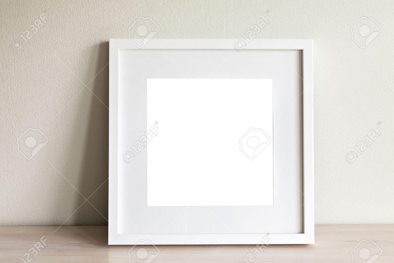 Foto Von Mock-up-Szene Mit Weißen Quadratischen Rahmen. Lizenzfreie ...