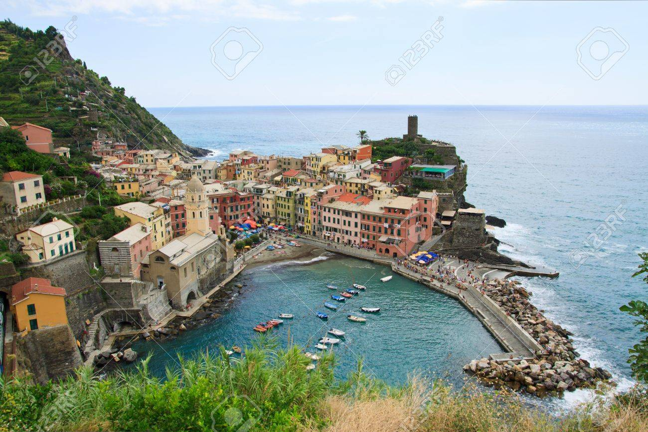 Seaside town of vernazza in cinque terre Italy Stock Photo - 7986329