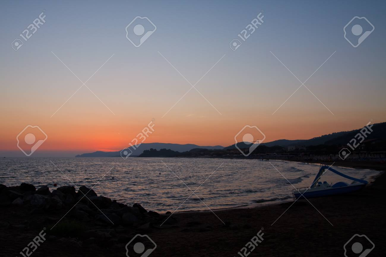Sunset on the water Stock Photo - 7824153