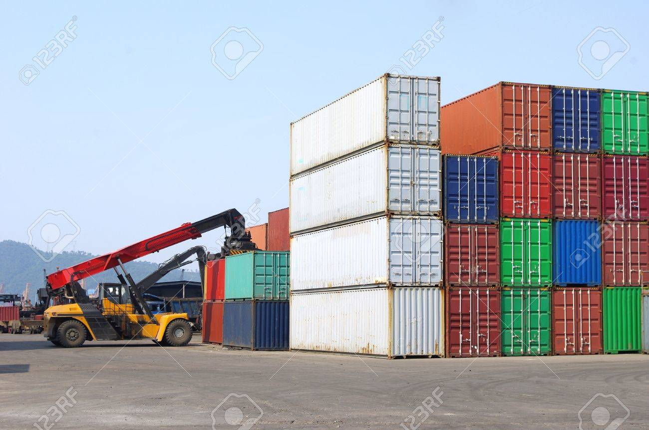 Containers and stackers Stock Photo - 17354828