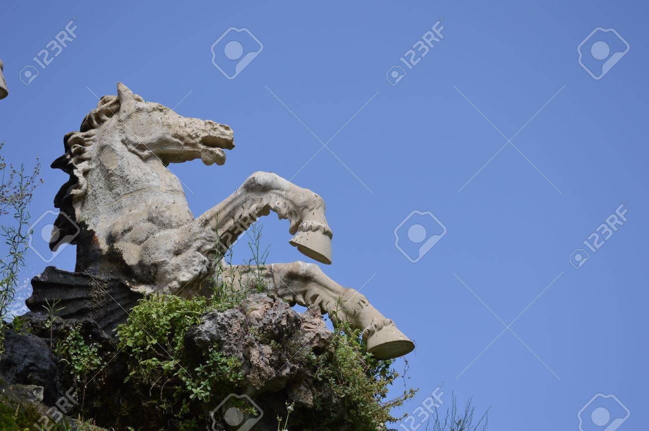 Stone horse - 80320510