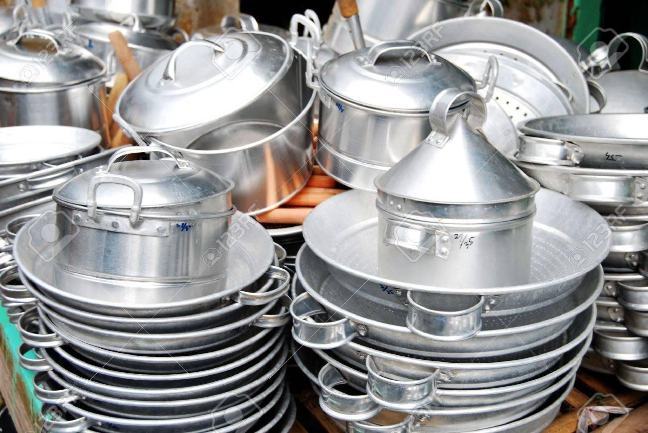 Indonesische Küche | Indonesische Kuche Geschirr Aus Aluminium Lizenzfreie Fotos