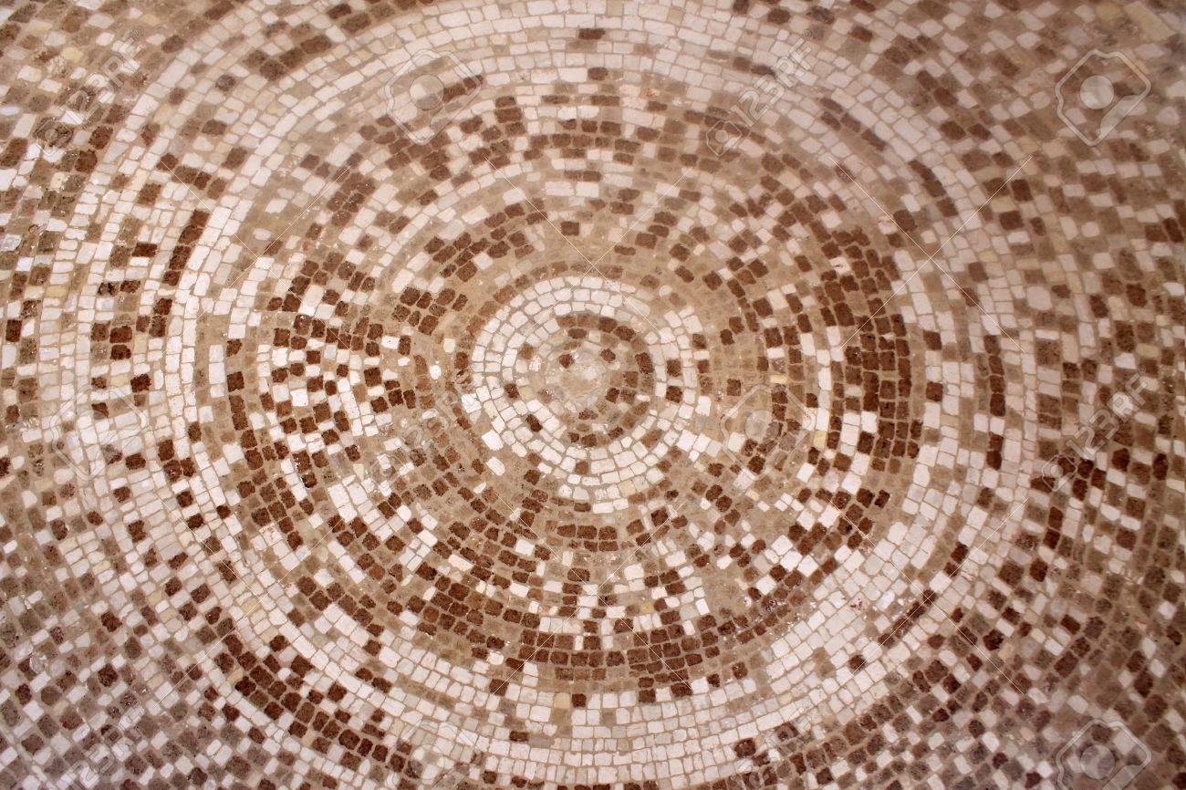 Tegels Met Patroon : Oude romeinse beige en bruine mozaïek keramische tegels in cirkel