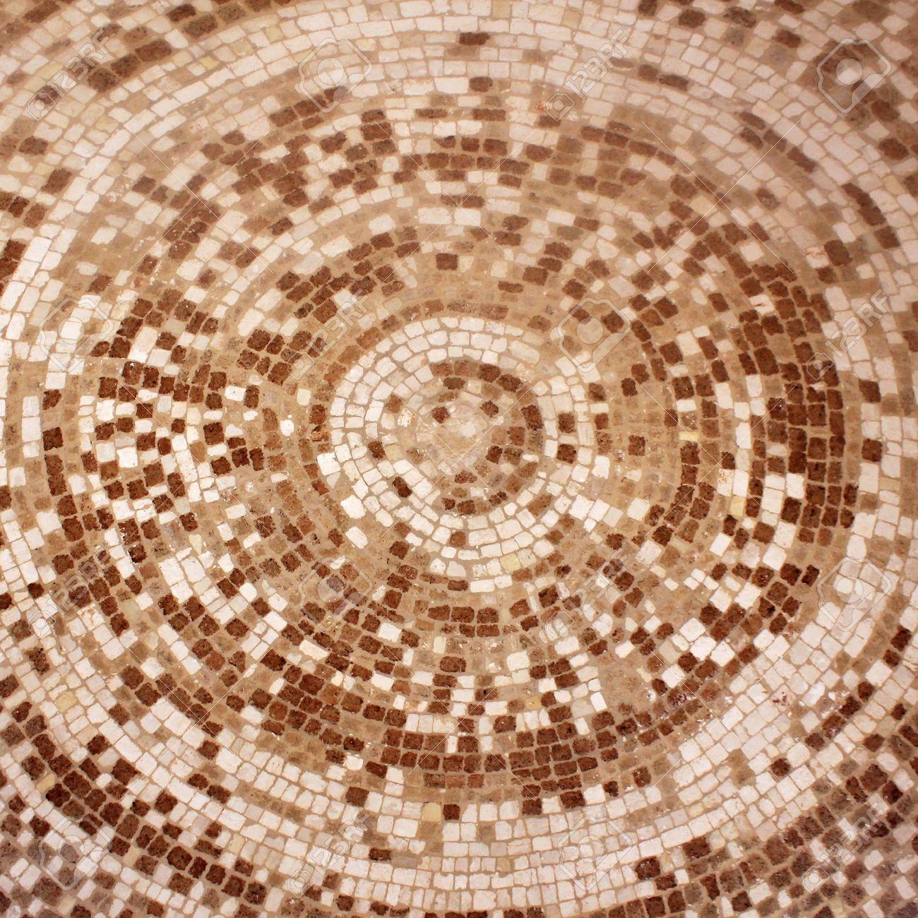 Circle Tiles Old Roman Beige And Brown Mosaic Ceramic Tiles In Circle Pattern