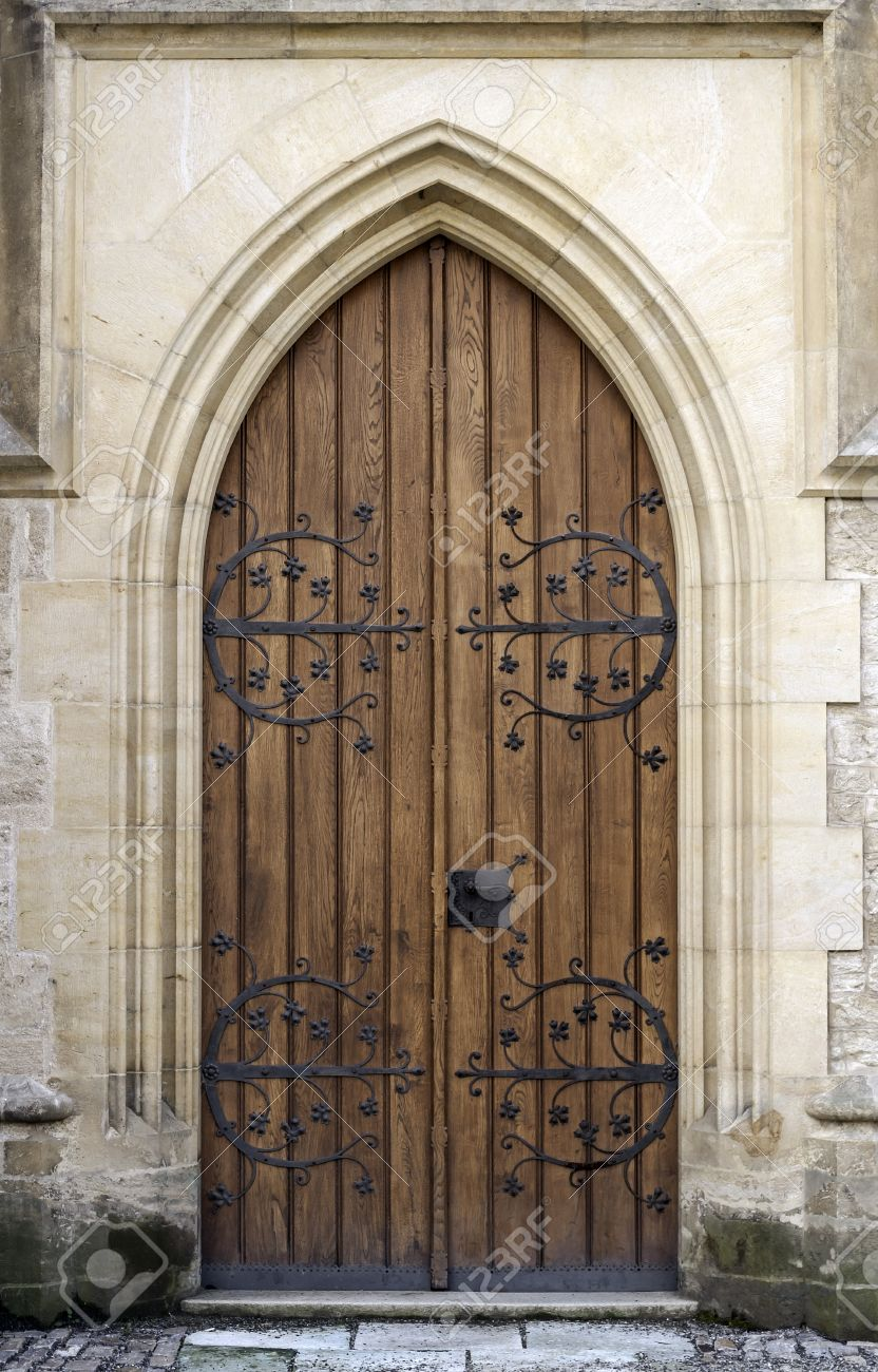 Gothic door at medieval castle in Europe Stock Photo - 22947841 & Gothic Door At Medieval Castle In Europe Stock Photo Picture And ... Pezcame.Com