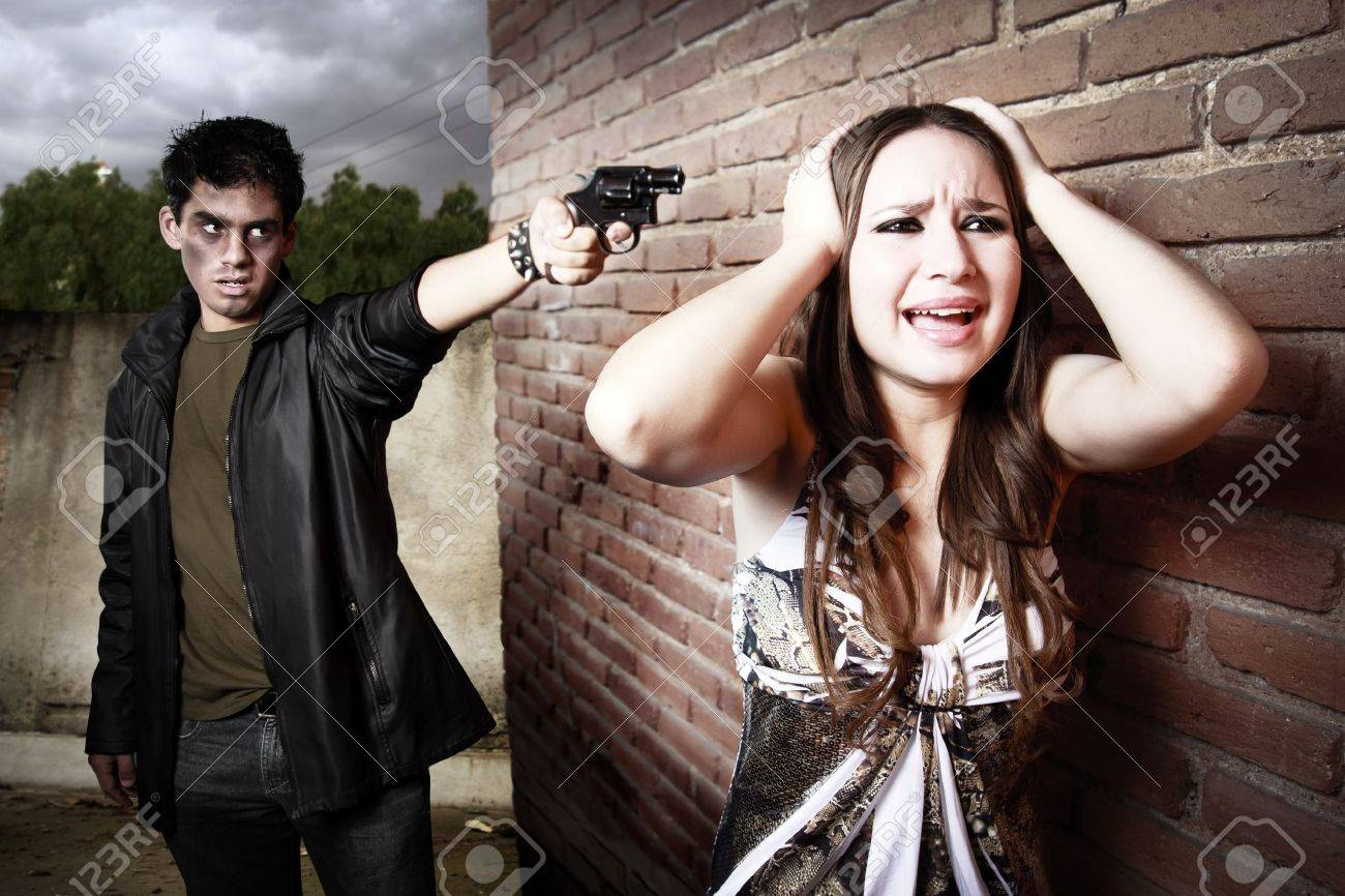 thief and woman on alley Stock Photo - 11359268