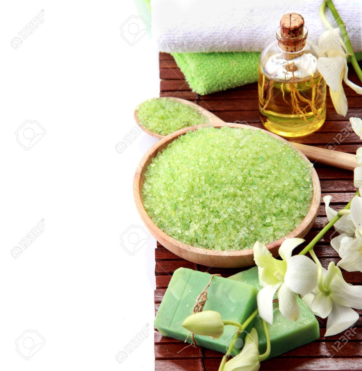 green spa isolated on white background with copyspace - 25152809