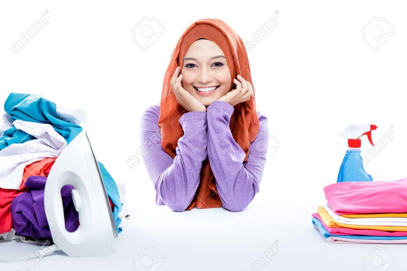 Slikovni rezultat za hijab cartoon woman cleaning