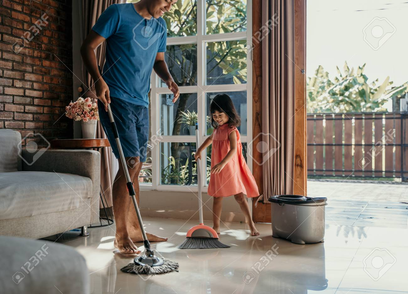 little girl help her daddy to do chores - 120792693