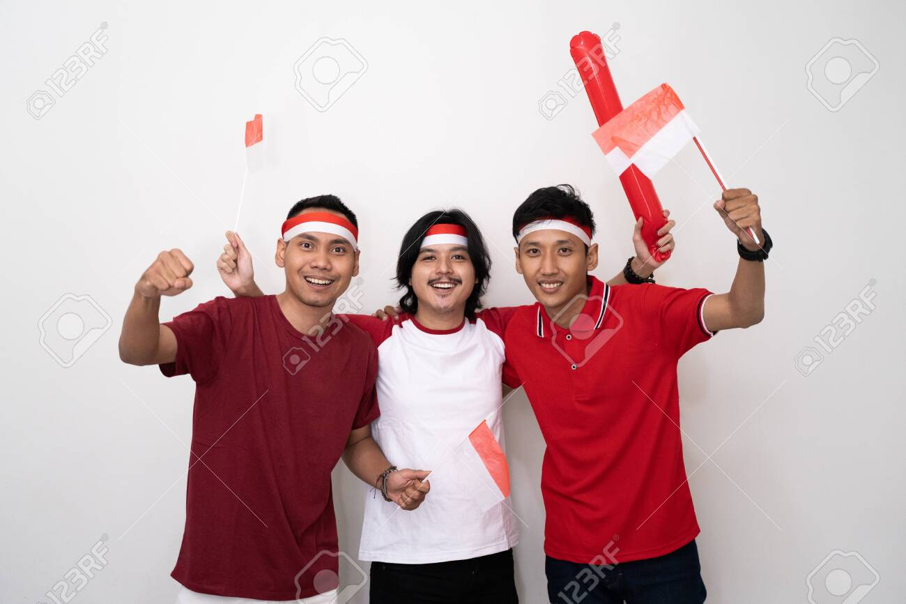 asian young male supporter of indonesia. - 127485744
