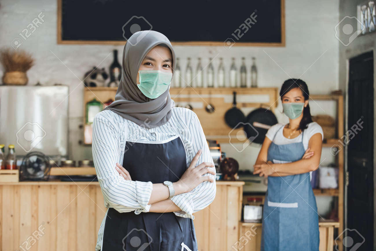 Successful muslim asian small business owner - 165729755