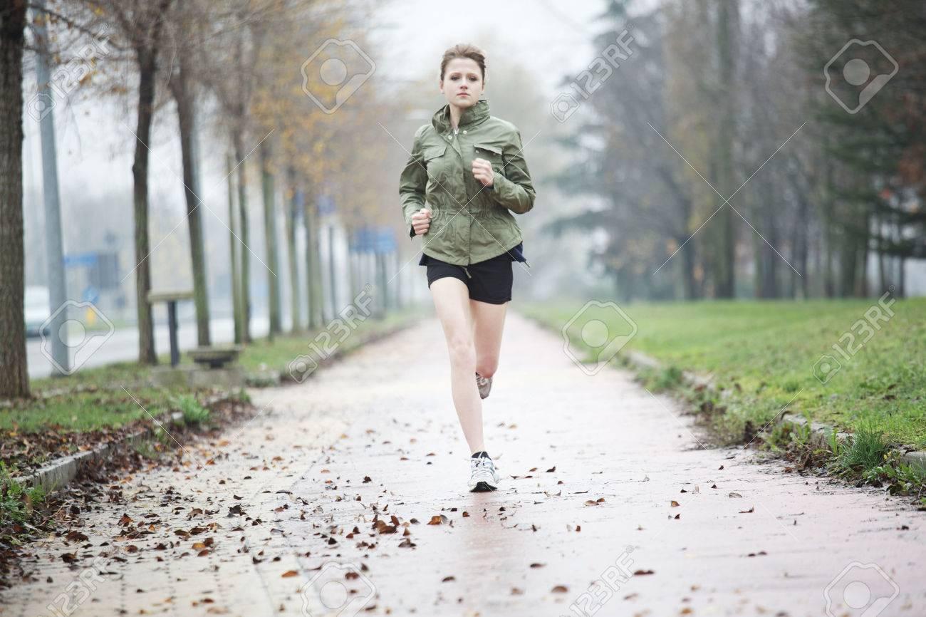 running woman - 34764642