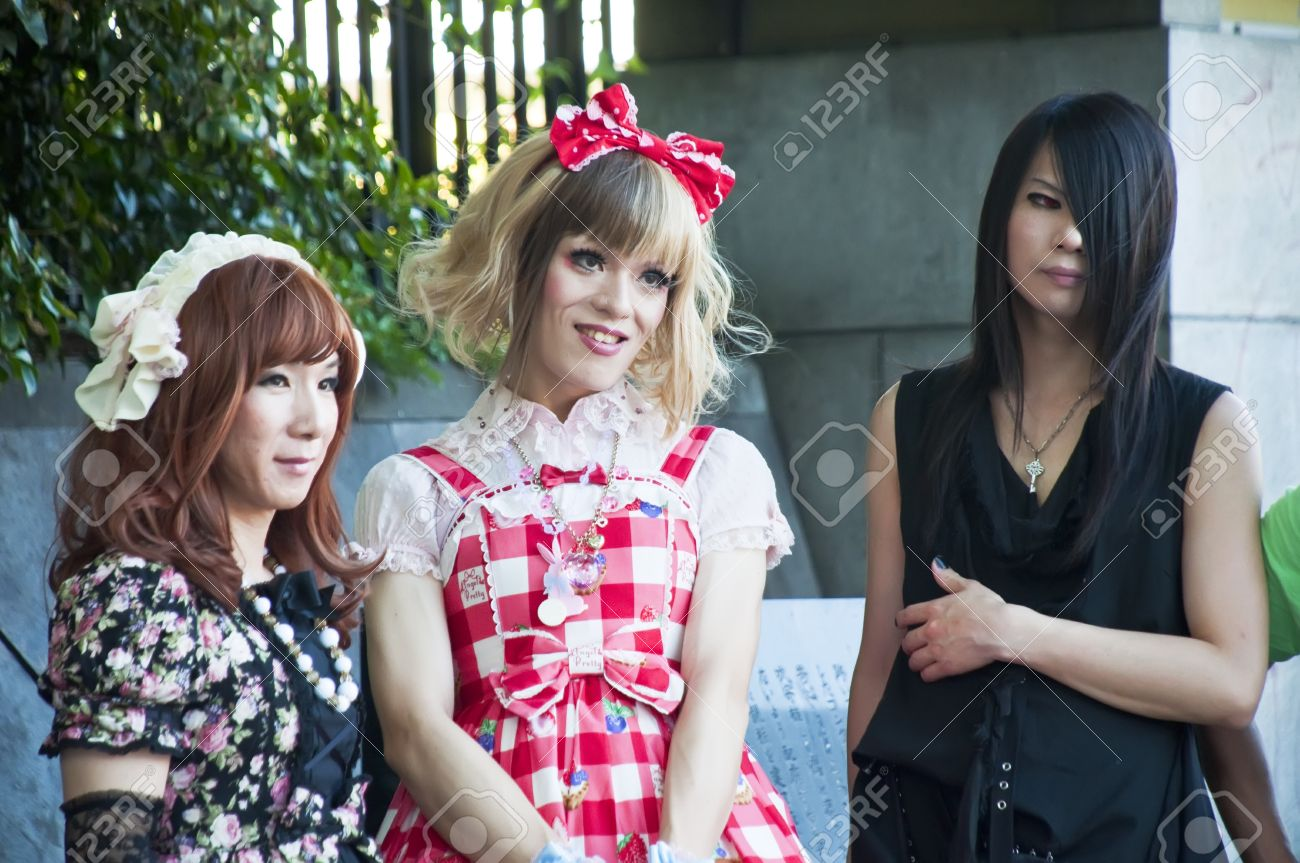 TOKYO, JAPAN - JULY 10: Unidentified people dressed in Harajuku district on July 10, 2011 in Tokyo, Japan.  It is known for being one of the most popular shopping venues in the city, while serving as a meeting point for young people who gather every Sunda Stock Photo - 11868145