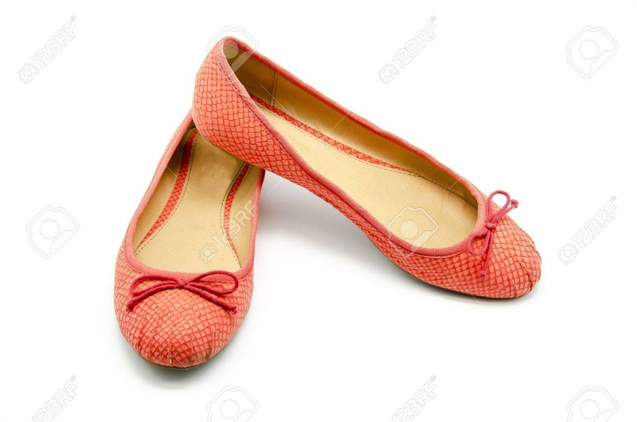 d4dc3dec Foto de archivo - Zapatos sin tacón de color naranja sobre fondo blanco