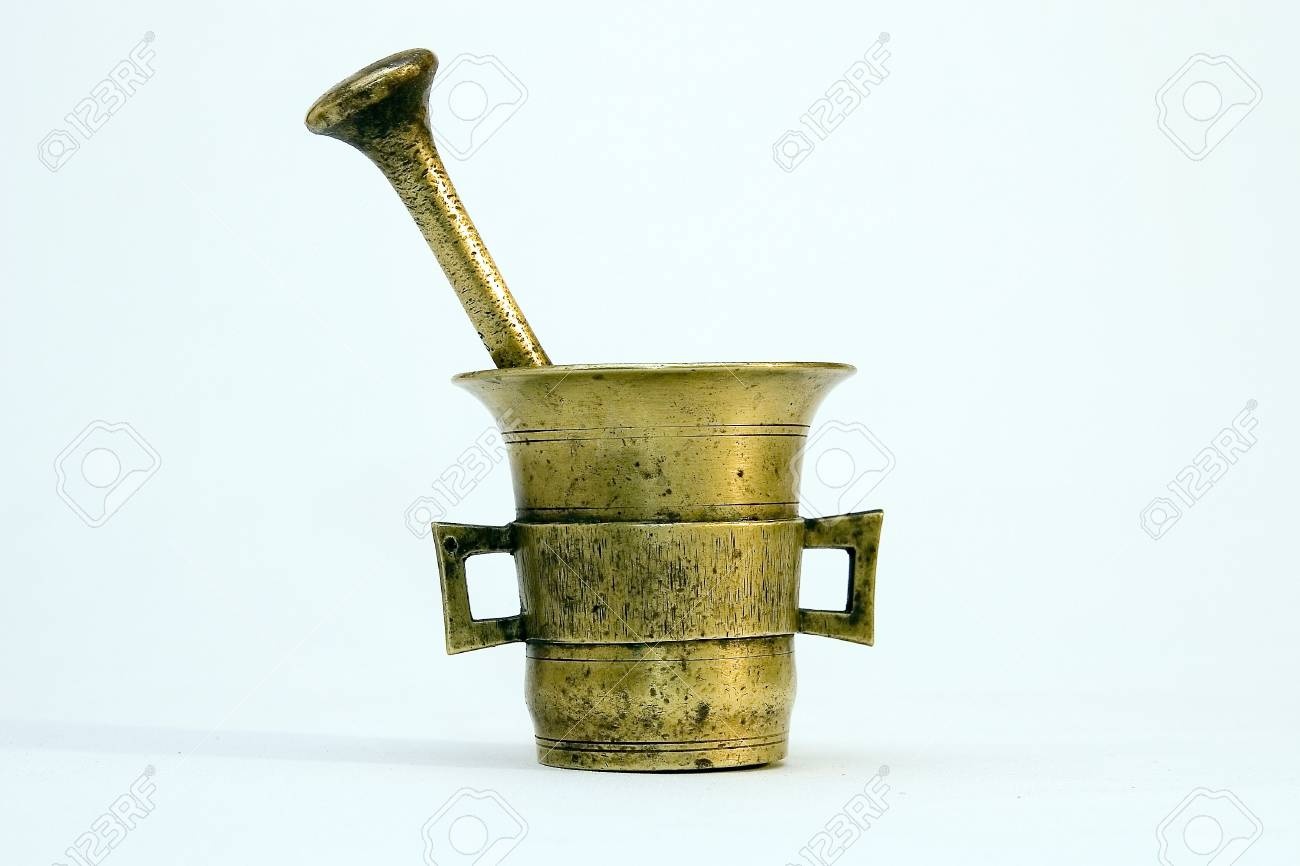 Brass mortar and pestle Stock Photo - 2873303