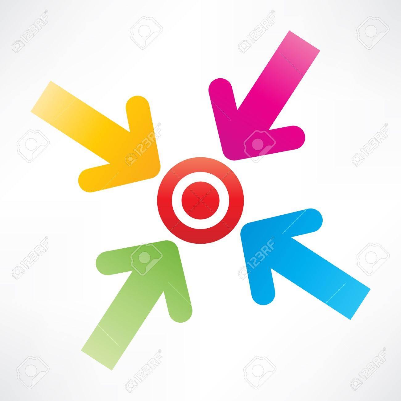 Target with arrows Standard-Bild - 25820008