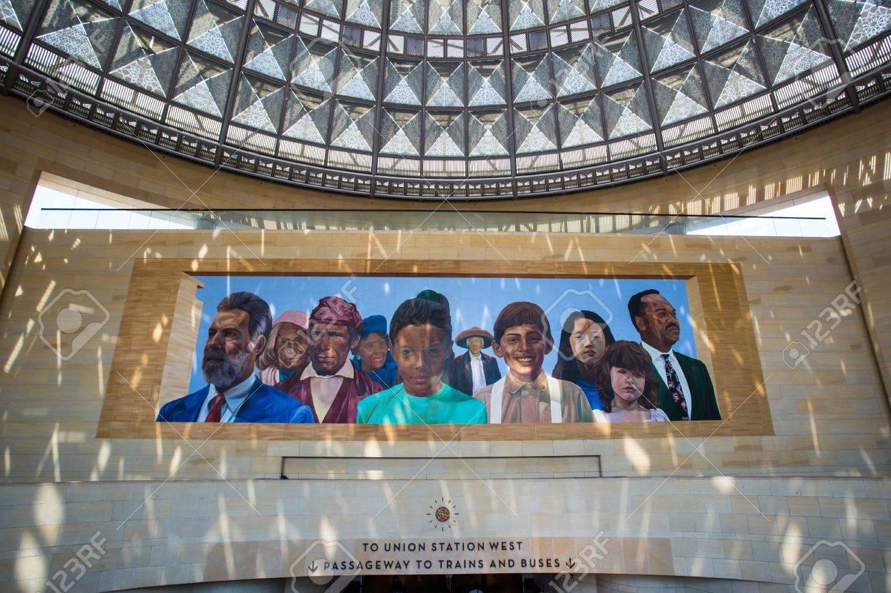 Los Angeles états Unis Le 14 Juillet L Art Déco Classique Intérieur Et Peinture Murale à L Intérieur De La Gare Union